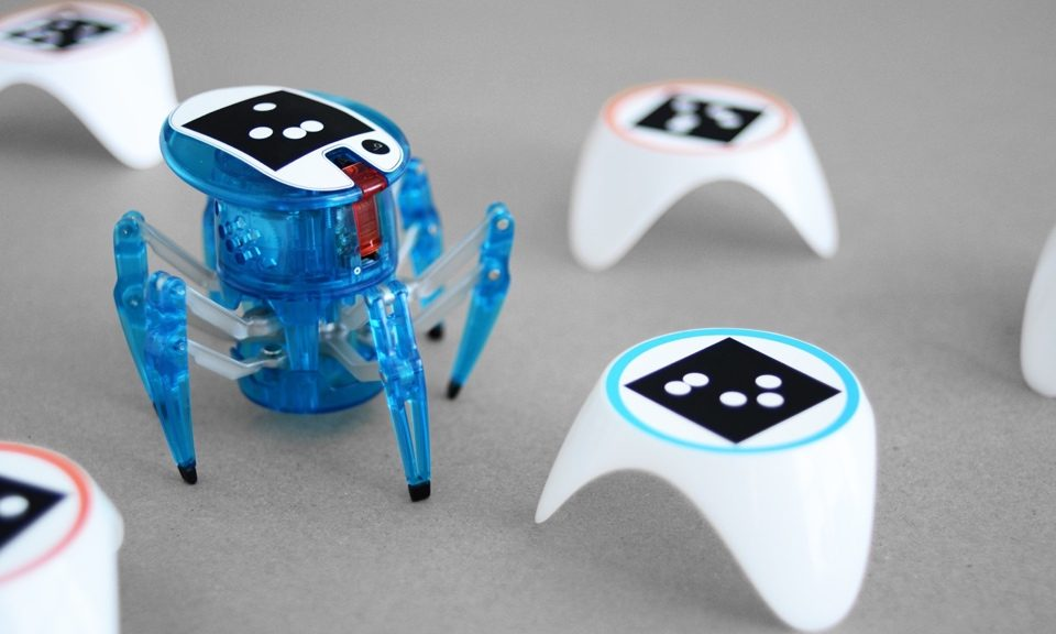 bots alive hexbug spider-1485288671055